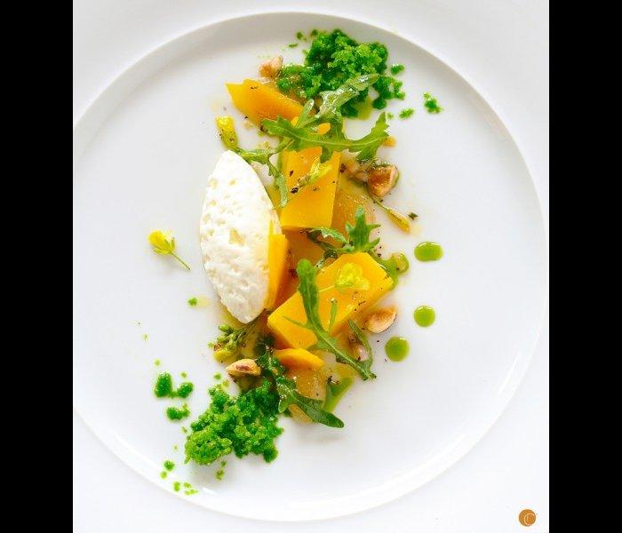 chef service vegetarian dish